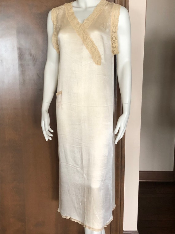 1920s Nightgown Lace and Silk Loungwear