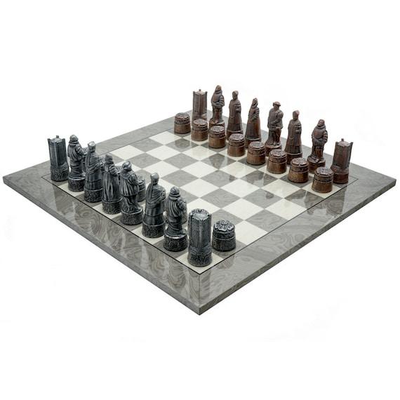 nuovo stile 5dd8f 1b691 Il Berkeley scacchi inglese grigio metallo Chess Set