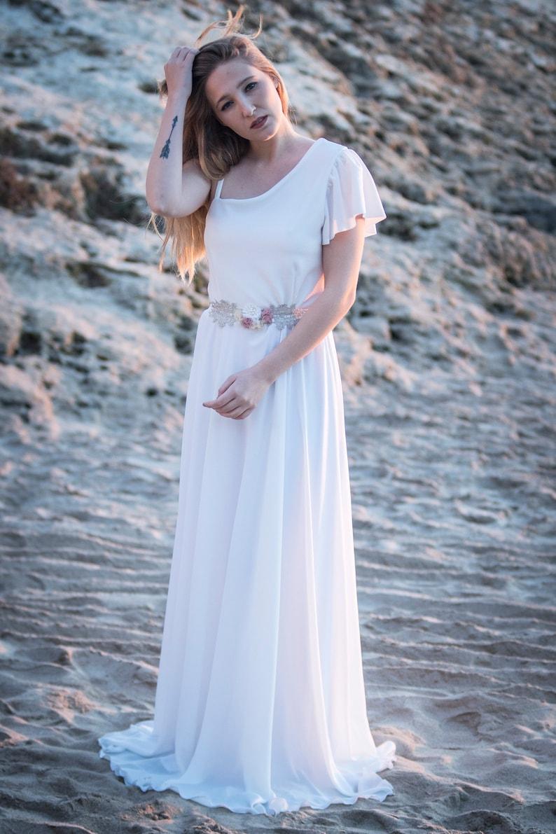 Romantic Wedding Dress Boho Style Wedding Dress Boho Chic White Twilight Wedding Dress Hippie Chic Wedding Dress Weddings Dresses Valresa Com