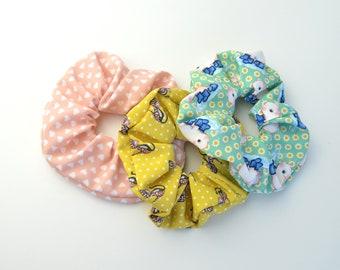 Pastel colorido pack de scrunchies para niñas / paquete pequeño con tres scrunchies para las mujeres/ cute printed scrunchies set