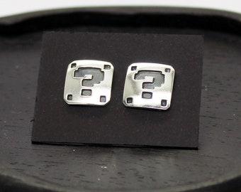 Super Mario interrogation symbol in 8-bit earrings in silver 925