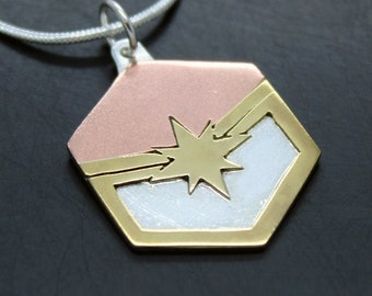Captain Marvel pendant in 925 silver, brass and copper