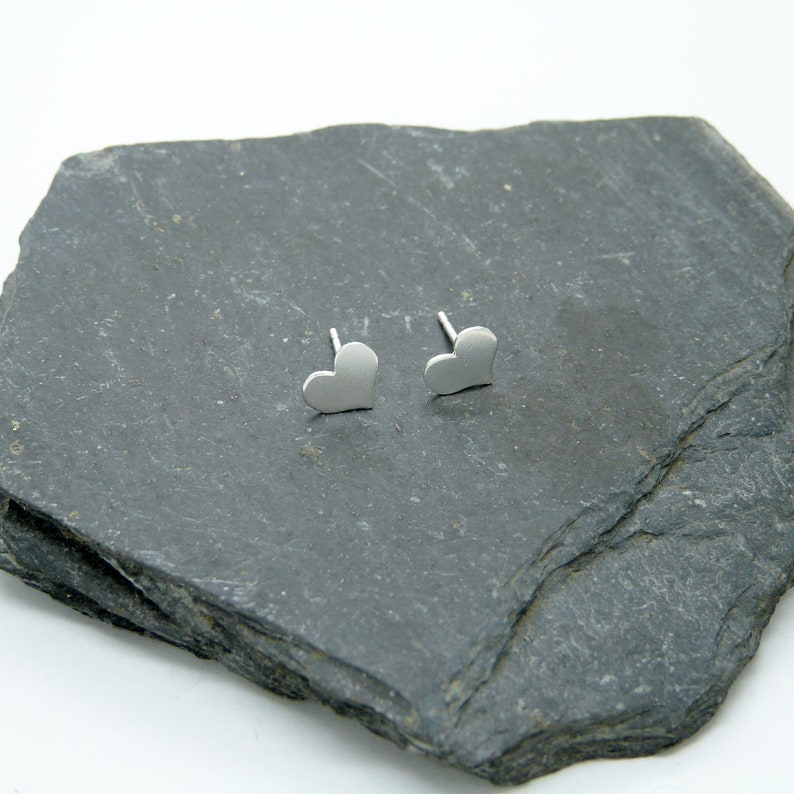 Silver 925 Mini Hearts Earrings image 0