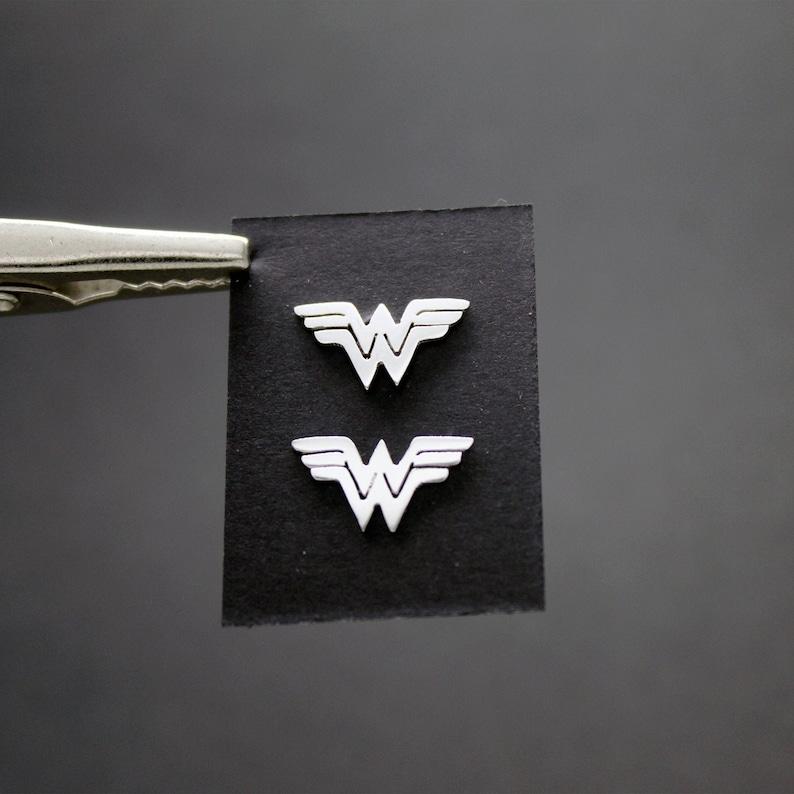 Wonder Woman Earrings in Silver 925 image 0