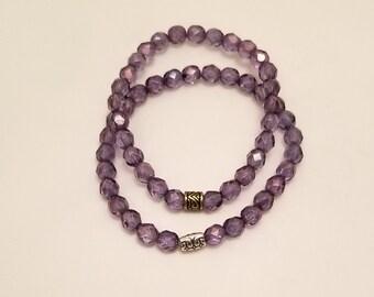 Iris purple glass bead stretch bracelet
