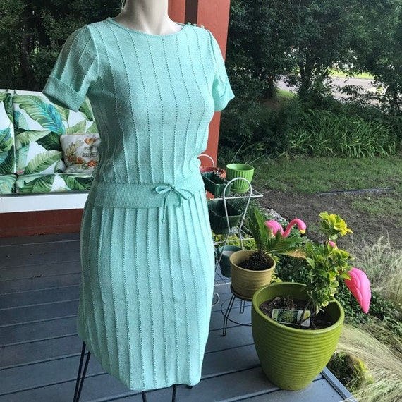 Vintage 1960s Mint 2 piece knit skirt+top set//kni