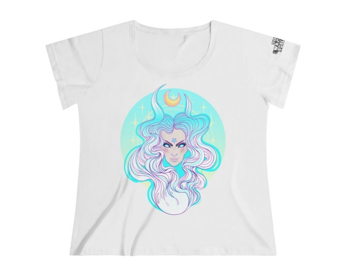 Moon Goddess Women's Curvy Tee