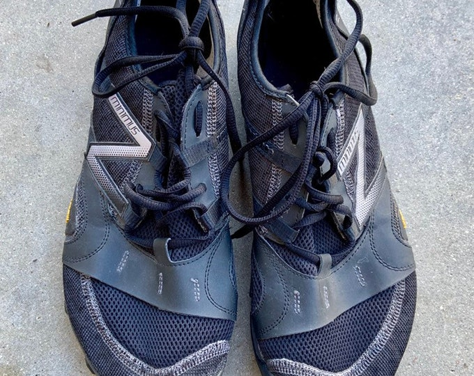 New Balance Minimus shoes with Vibram sole Mens size 12.5. Minimal athletic trail running shoes. Free shipping