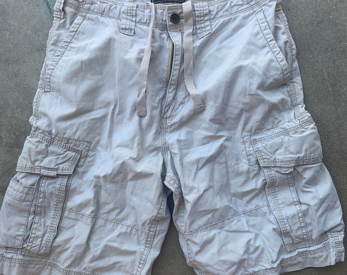 """Men's Champs Cargo 100% Cotton Shorts. Cool, soft and comfortable. Size 30"""" Free Priority Mail Shipping in the USA"""