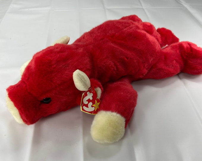 Large Snort the bull Beanie Buddies Collection!  In great shape. Free Shipping
