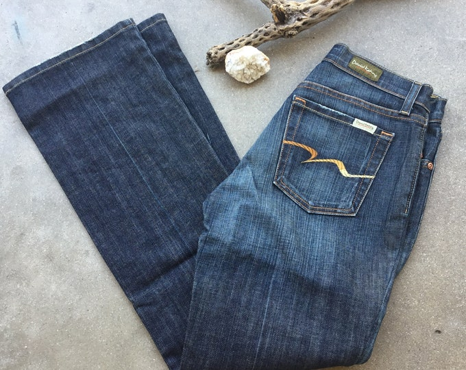 Woman's David Kahn Jeans, Very cute boyfriend fit. Size 2. Free Priority Mail Shipping in the USA