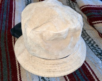 Vintage Suede Liz Claiborne hat. Super cool silk lined suede hat. Free Priority Mail Shipping