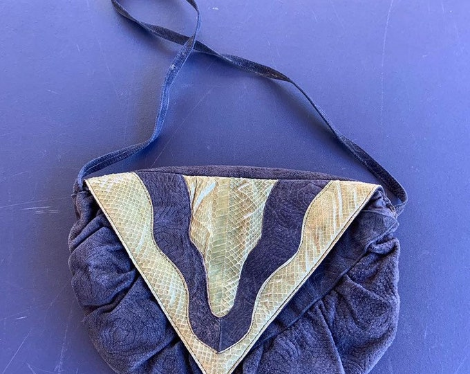 Vintage 1980s suede and snake skin purse  in good condition. Free Priority Mail Shipping
