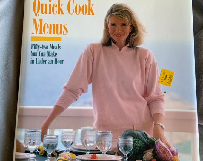 Vintage 1989 Martha Stewart Cook book 52 resipes to make under an hour. Free Shipping
