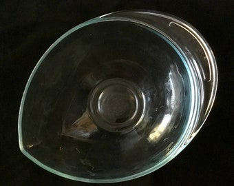 Vintage Pyrex Teardrop mixing bowl in aqua clear, rare in great shape. 2.5 qt 2225 Free Shipping