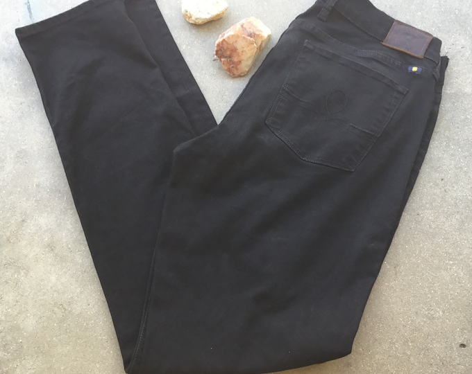 Woman's  Lucky Brand Black Jeans, Very cute and curvy. Size 12/31. Free Priority Mail Shipping in the USA