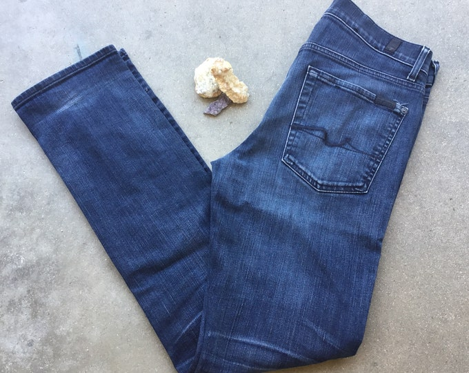 Seven 7 for All Mankind Jeans. Perfect Stretch, Very cute and comfortable. Size 31. Free Priority Mail Shipping in the USA