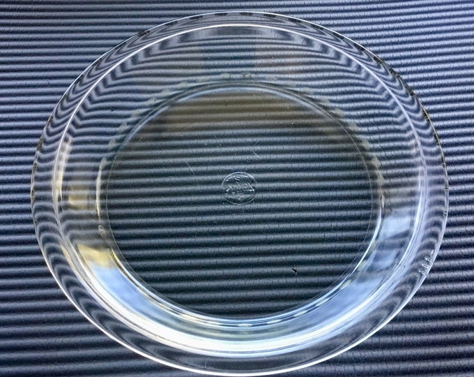 Nice Pyrex Pie Plate, Clear Glass, No. 209, 9 Inches In Diameter, Made in USA. Free Priority Mail Shipping