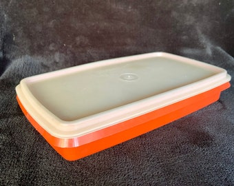 Vintage 1960s Tupperware storage container with lid. Free Shipping