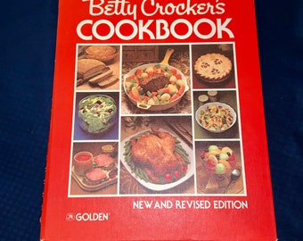 Vintage 1980 Betty Crocker CookBook 3rd Printing. In good vintage condition with extra recipe page from 1980 magazine. Free Shipping