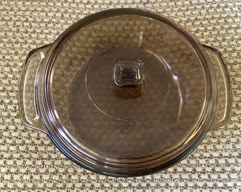 Vintage Anchor Ovenware Amber Casserole dish with matching lid. 1.5 Quart. Great condition. Free Shipping