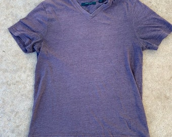 Vintage Perry Ellis V neck t-shirt icon color speckle fabric in Excellent Condition. Size large. Free shipping