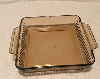 Vintage Anchor Hocking Square baking casserole dish, 1452.  1.5 quart, in great condition. Free Priority Mail Shipping.