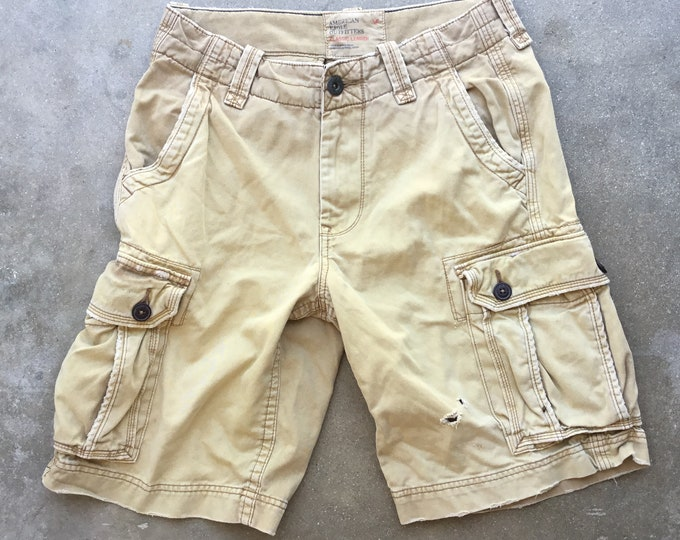 """Men's American Eagle Outfitters Cargo 100% Cotton Shorts. Cool, soft and comfortable. Size 30"""" Free Priority Mail Shipping in the USA"""