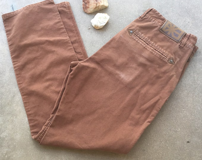 Men's Makia Jeans, Brown, Straight Fit. Size 32 x 31. Free Priority Mail Shipping in the USA