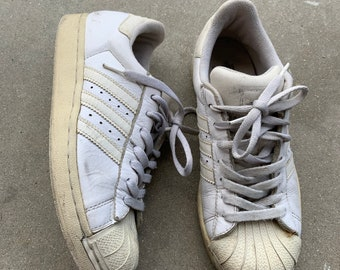 Vintage used Adidas white 7 1/2 clam shell shoes. Free Shipping.