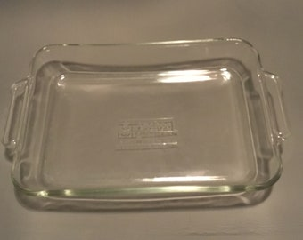 1980s Large 3qt Anchor Hocking 3 qt. rectangular bakers casserole dish in clear glass. Free Shipping