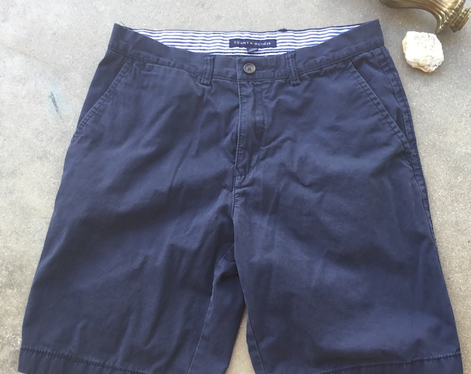 Men's Tommy Hilfiger Cotton Shorts. Very cool soft and comfortable. Size 32. Free Priority Mail Shipping in the USA