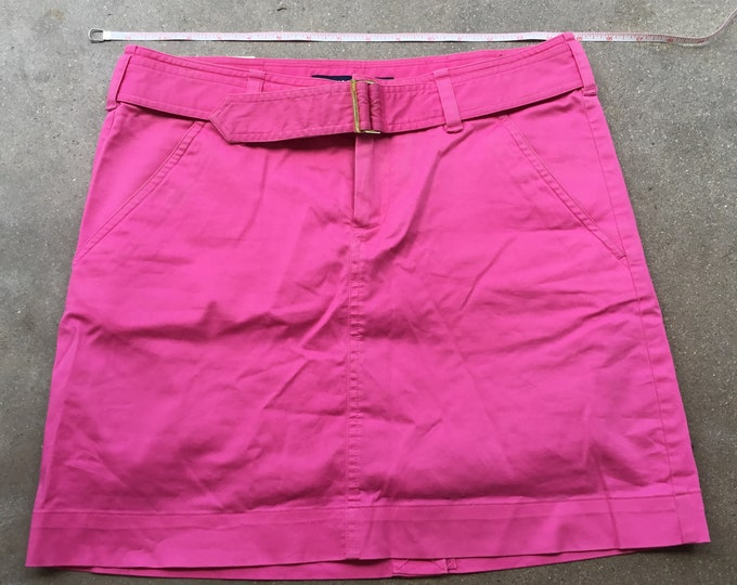 Woman's  Ralf Lauren Golf Skirt, Very cute and comfortable. Size 2 Free Priority Mail Shipping in the USA