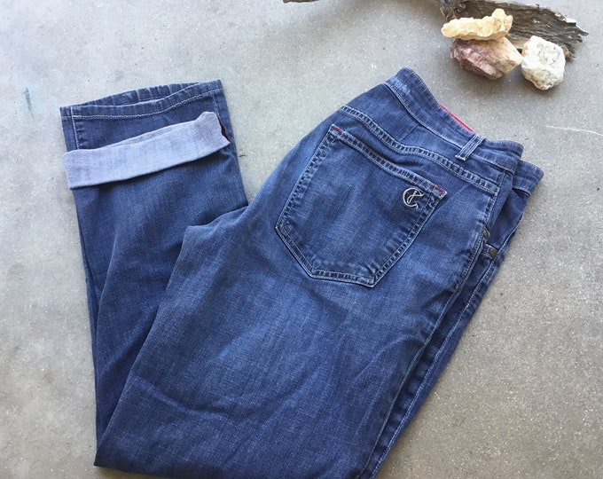 Woman's  CJ by Cookie Johnson Jeans, Very cute and curvy. Size 32. Free Priority Mail Shipping in the USA