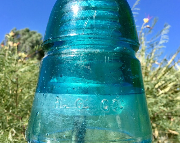 Extremely rare glass insulator Green with lots of unique designs 1880s railroad telegraph insulator with algae, bubbles, and other oddities