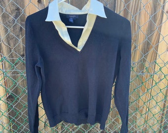 Vintage Woman's Chaps V neck sweater in Excellent Condition. Size Large. Free shipping