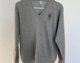 Vintage 1980s Rose Bowl Tournament of Roses V-Neck sweater in excellent condition  mens large. Free shipping