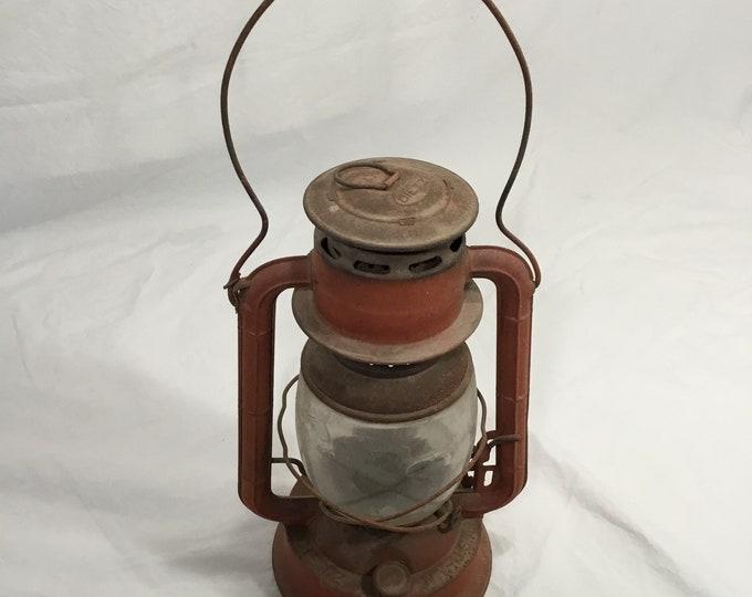 Vintage Dietz Kerosene Railroad Lantern No 2 De-Lite dimmer lamp.  Clear glass, classic electric company stamped lantern.