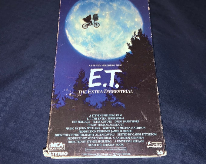 ET Vintage VHS Tape of the Steven Spielberg classic ET The Extra Terrestrial. Free Priority Mail Shipping