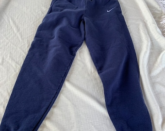 Vintage Nike early 90s sweat pants size medium with embroidered swoosh. Free Shipping