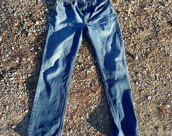 Levi's 34 by 34 Broken in Jeans. Very cool soft and comfortable. Free Priority Mail Shipping in the USA