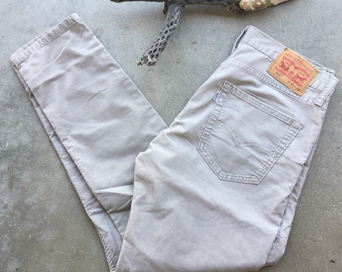 Men's Levi's 512  Jeans,Corduroy, Skinny Straight Fit. Size 33 x 32. Free Priority Mail Shipping in the USA