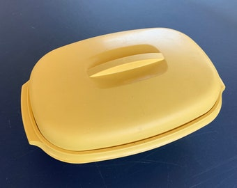 Vintage 1960s Tupperware steamer container with lid. Free Shipping