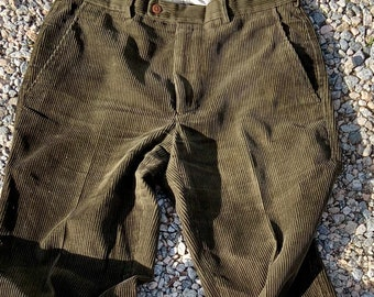 Vintage Calvin Klein corduroy dress pants in very good condition. Size 32, Free Shipping