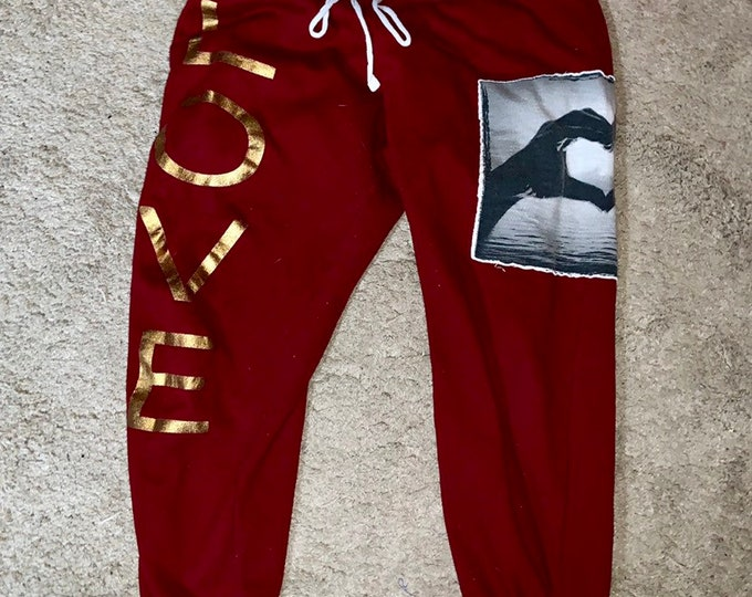 Very cool and rare Electric Pink, Love sweat pants. Womens size small. Free shipping