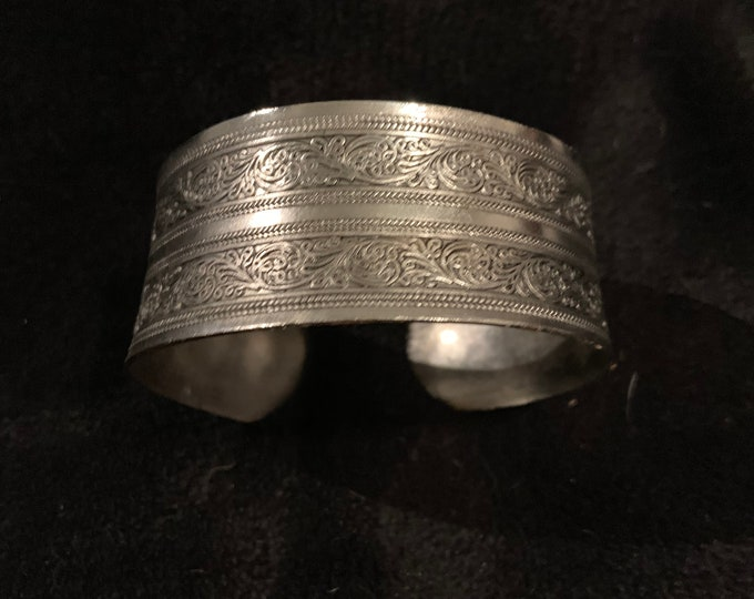 Silver Color Metal Cuff Bracelet with Impression Design, Joshua Tree