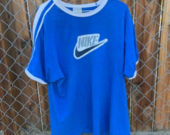 Rare Vintage ribbed shoulder grey label Nike T Shirt in XL. Free Shipping