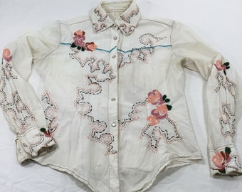 Vintage Martini Ranch women's pearl snap western shirt. Size medium. Beautiful embroidery. Free shipping