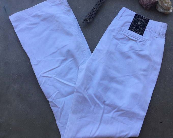 Woman's  Lucky Brand Dungarees Jeans, White, Very cute. Size 6/28. Free Priority Mail Shipping in the USA