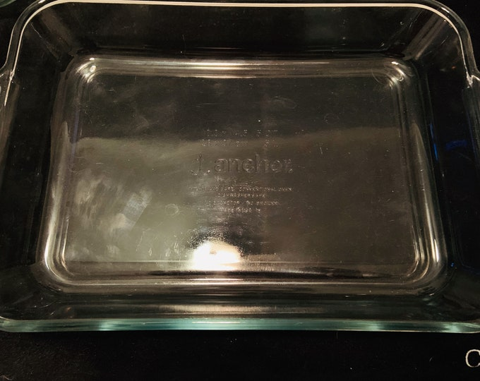 Vintage 1980s Extra Large 5qt Anchor Hocking rectangular bakers casserole dish Great Condition. Free Shipping